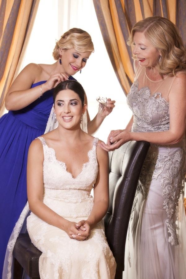 Fotos de preparativos de novia. Reportaje de boda