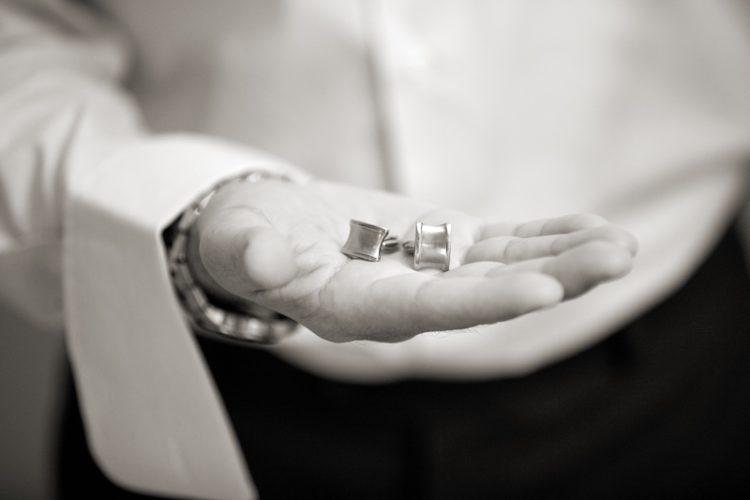 fotos de boda en blanco y negro en casa del novio. Fotógrafo Alejandro Gonzalo
