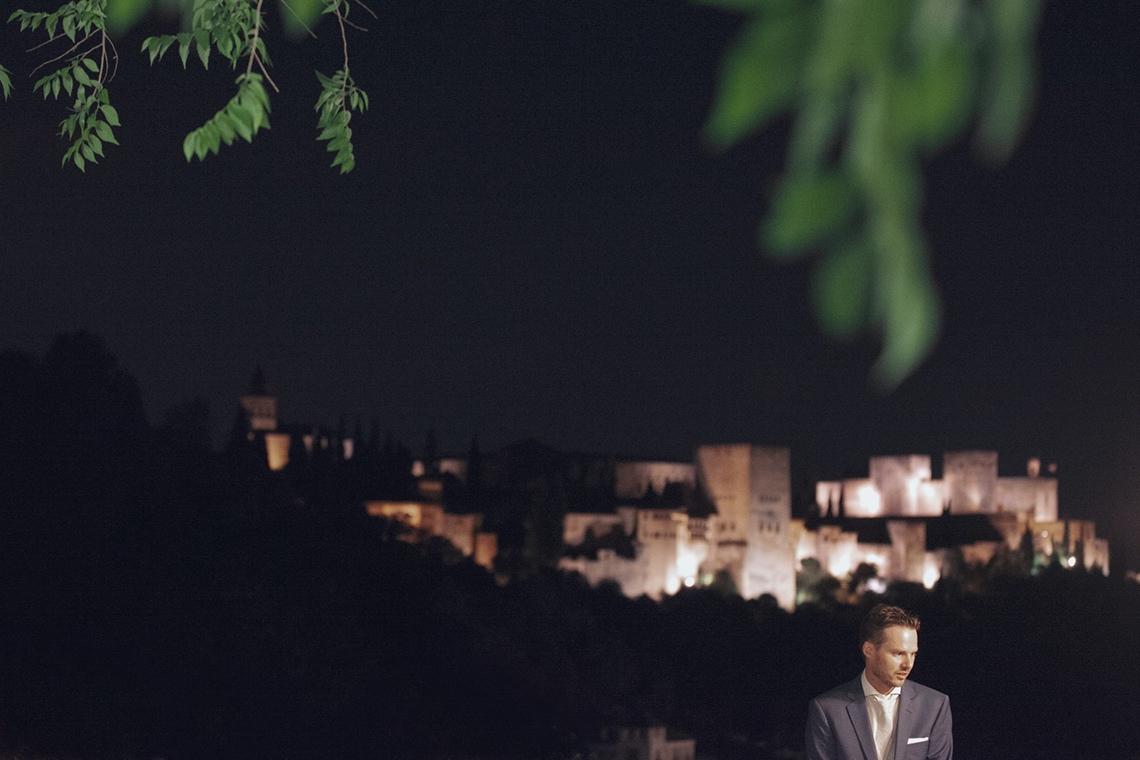 alhambra. foto de boda novio
